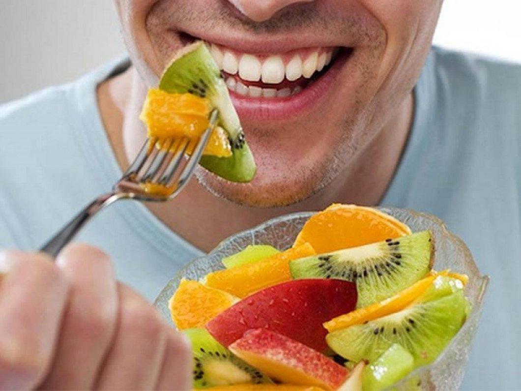 """Podívejte se na ty nejhorší mýty o zdravé stravě. Některá """"zdravá jídla"""" jsou horší než fast food!"""