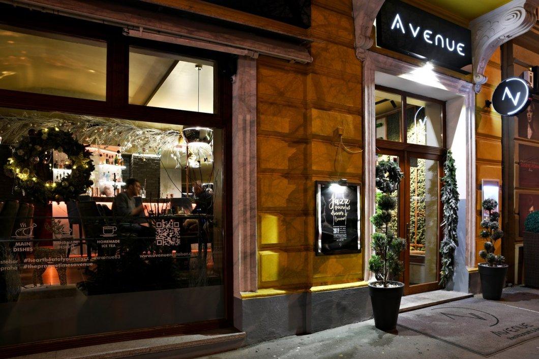 Nudí vás obyčejné italské restaurace? Vyzkoušejte něco nového ve vinohradském podniku Avenue Restaurant & Bar