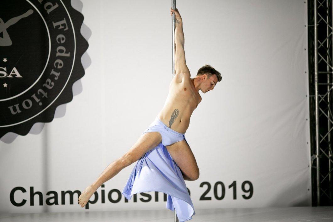 ROZHOVOR: Tanec u tyče není jen doménou žen. Tomáš Kislinger si přivezl třetí místo z Mistrovství světa v pole dance