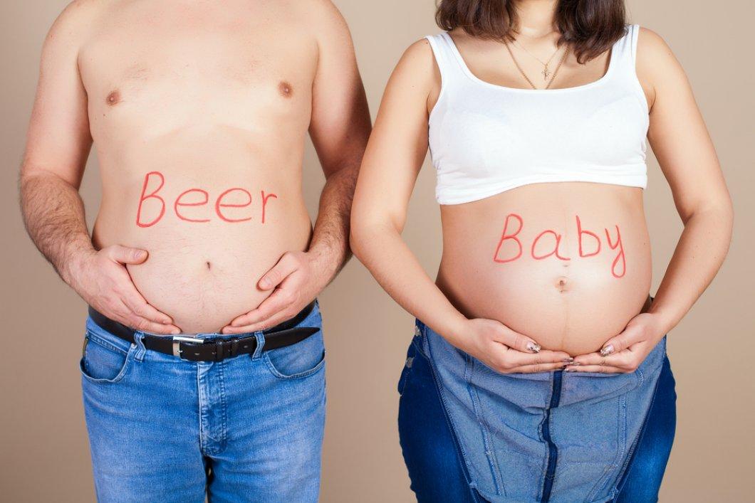 Pivní pupek: ryze mužský problém a zdravotní riziko. Proč ženy netrápí? A jak (ne)souvisí s pivem?