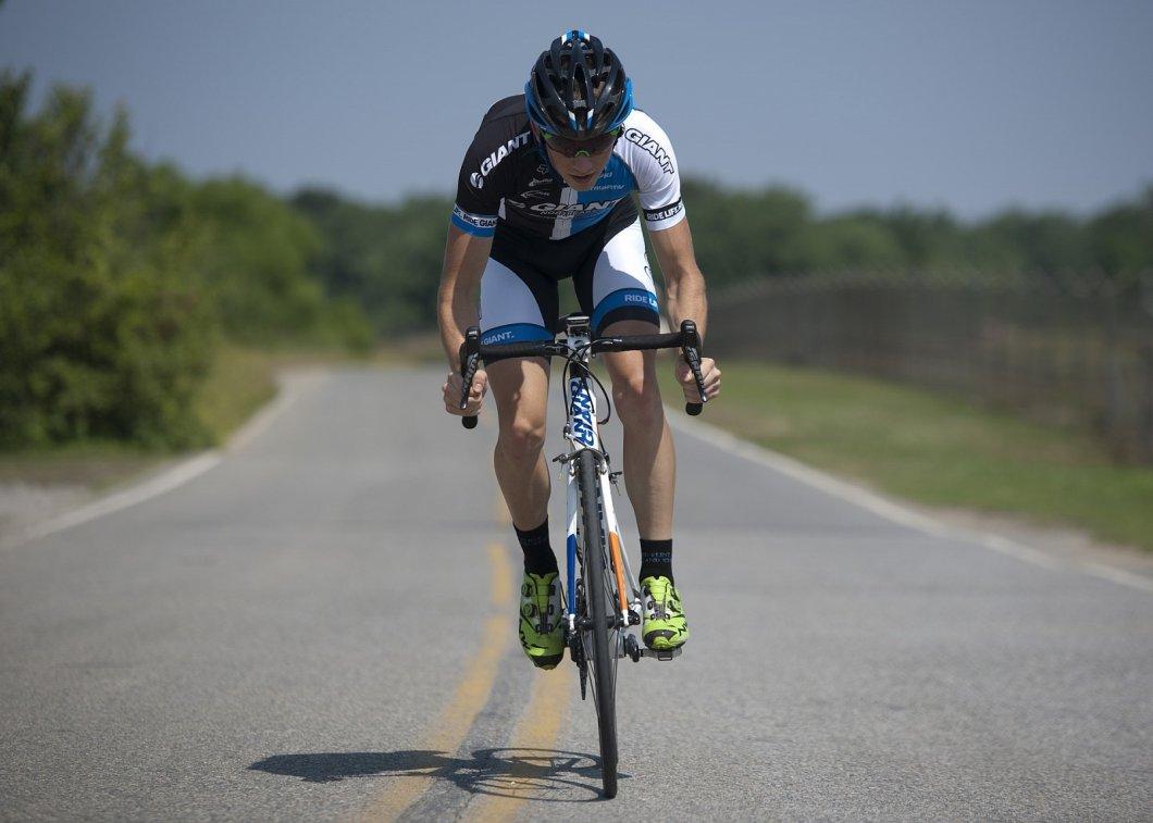Chcete získat zdraví a parádní postavu díky cyklistice? Samotná jízda na kole nestačí…