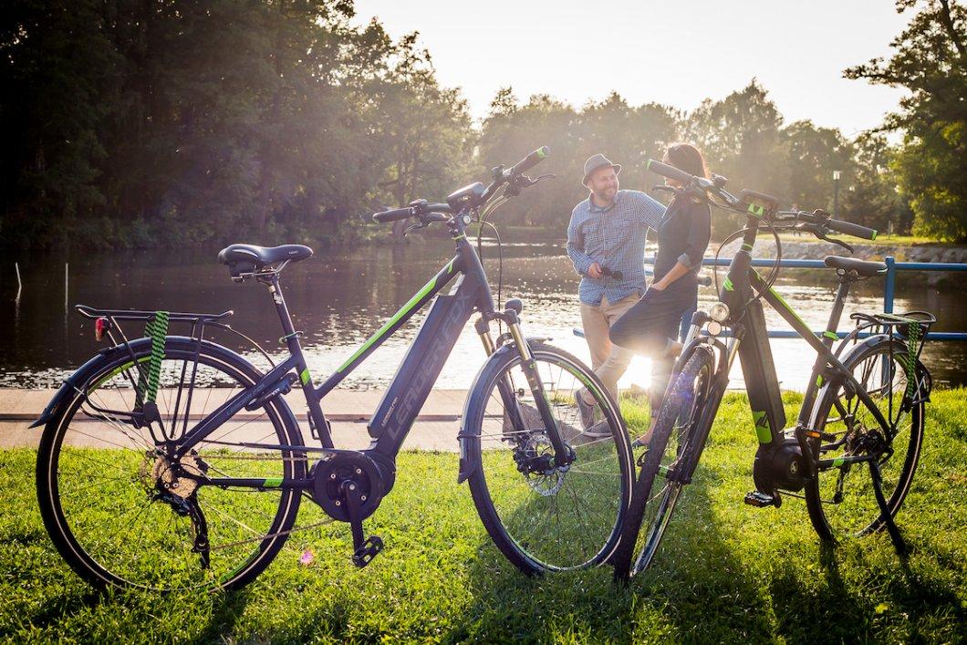 Nenechávejte na cyklovýletech svou partnerku či partnera za zády!