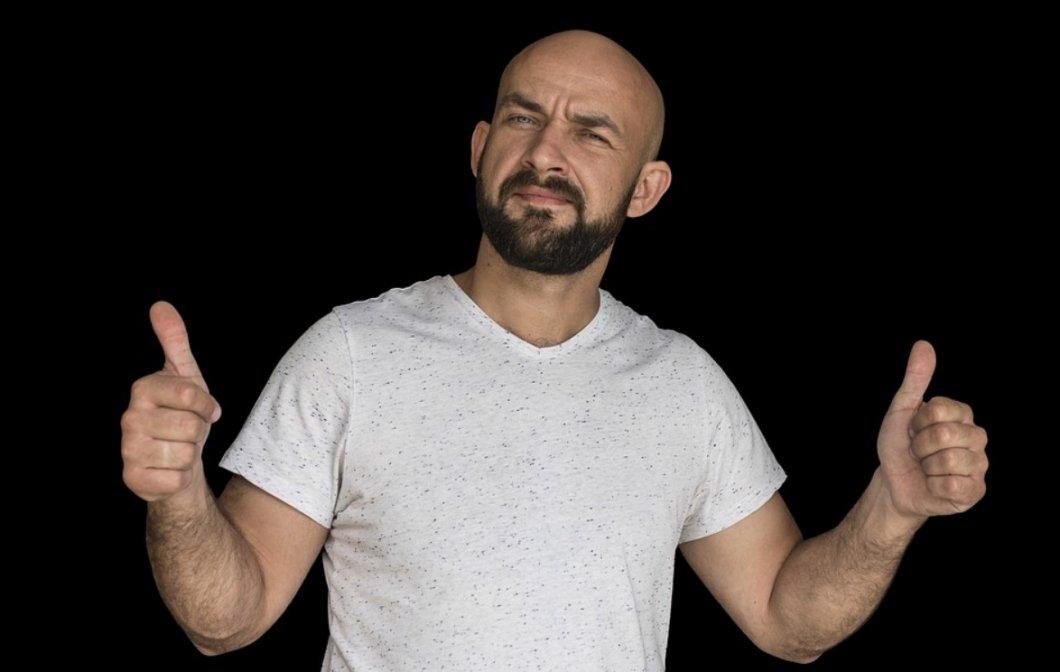 Muži psychicky trpí ztrátou vlasů. Jejich problémy prý vyřeší novinka – vlasové wellness