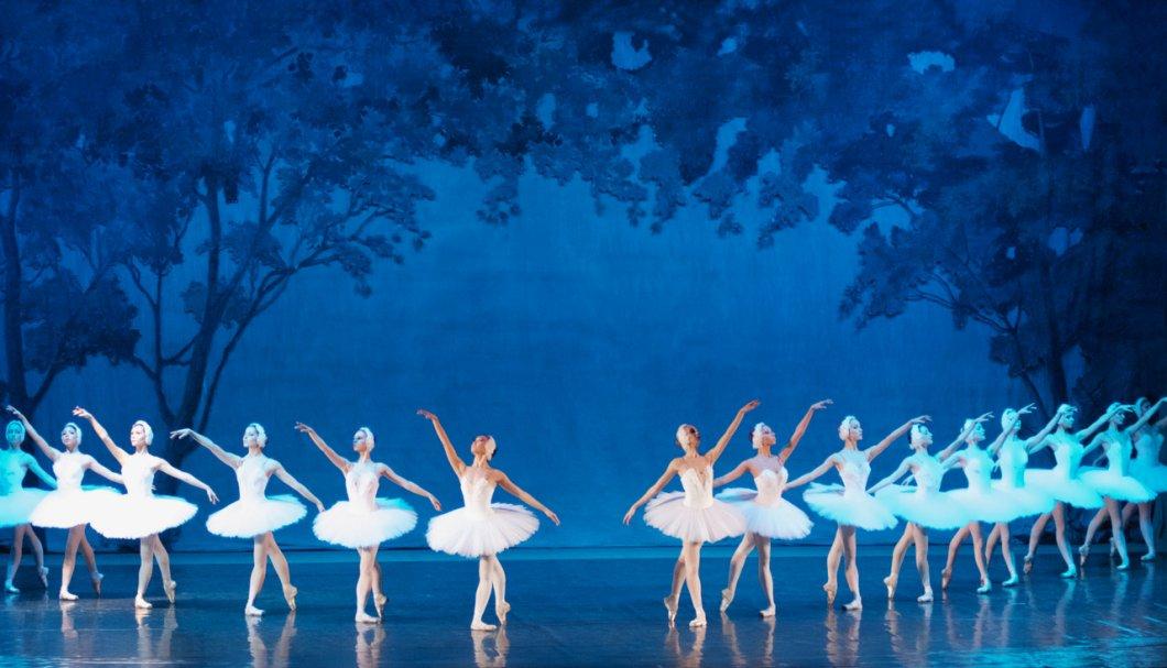 Royal Moscow Ballet před Vánoci opět oživí příběh Labutího jezera. S baletní show zamíří do Prahy, Brna i Ostravy