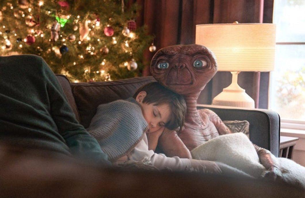 VIDEO: E.T. mimozemšťan se po 37 letech vrací na zem, v dojemném filmu se potkává i se svým (dospělým) přítelem Elliotem