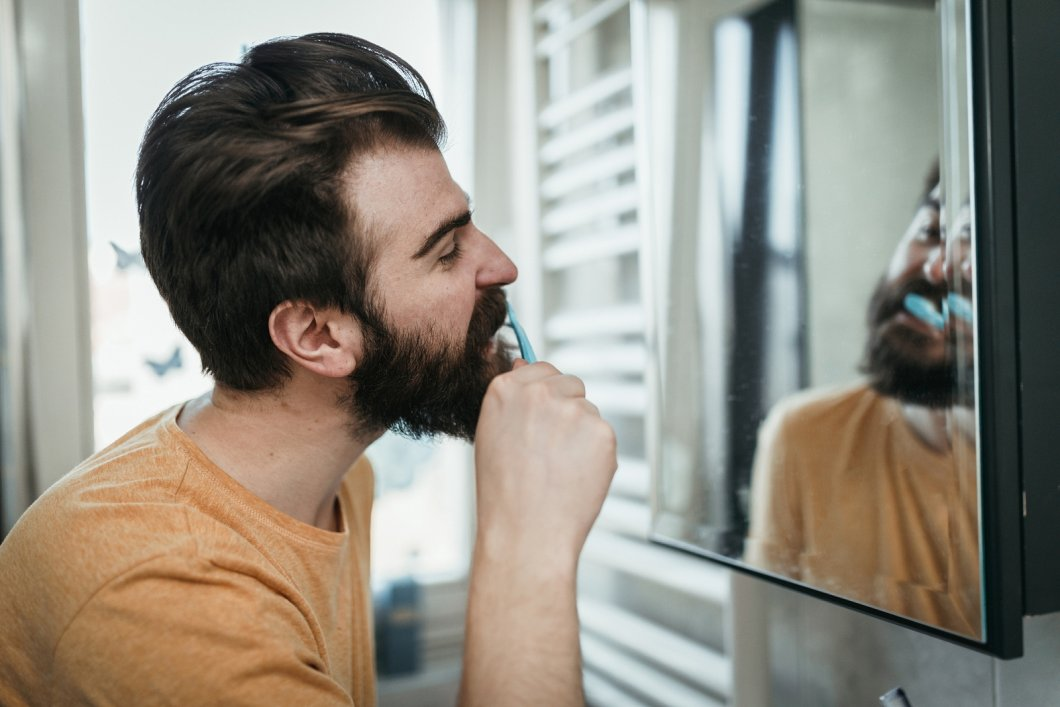 Domácí triky na odstranění zubního kamene, díky kterým docílíte krásných zubů bez kazů