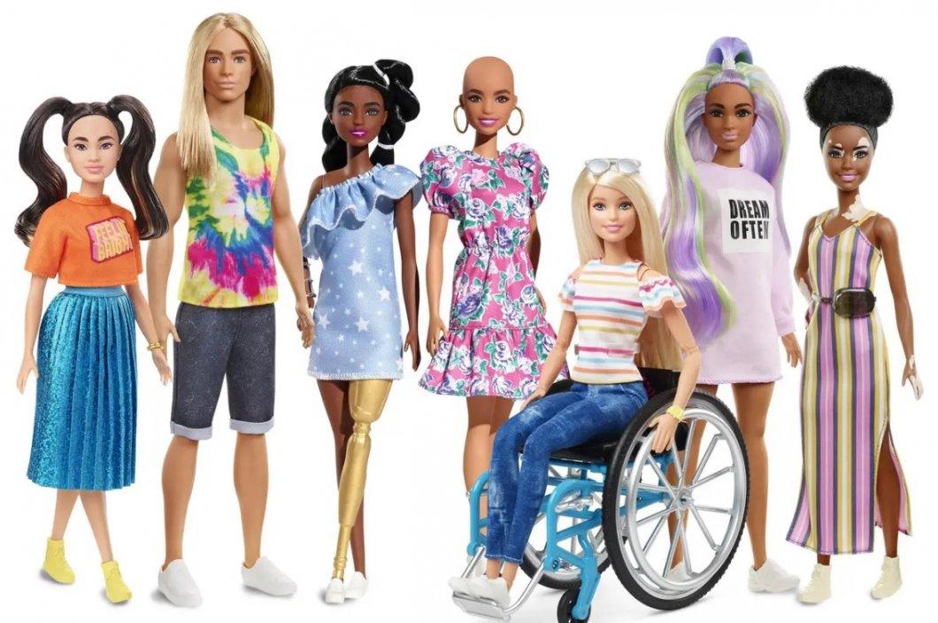 Barbie s pleší, vitiligem a protézou: Výrobce panenek chce dětem ukázat, že být jiný je normální