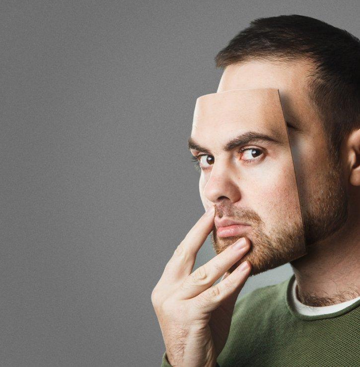 """Lidé více předstírají, než reálně žijí. Jsou ale chvíle, kdy se """"nasazení masky"""" rozhodně vyplatí"""
