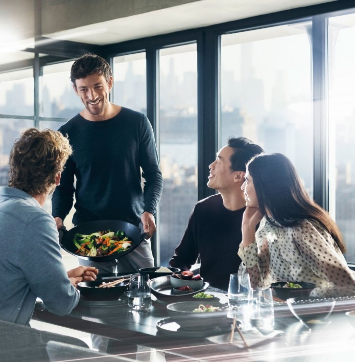 Byty přebírají funkce restaurací, barů a jsou i místem k setkávání. Kuchyně se proto musí přizpůsobit