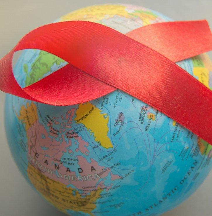 HIV versus COVID-19 aneb Dvě odlišné pandemie, které toho mají hodně společného