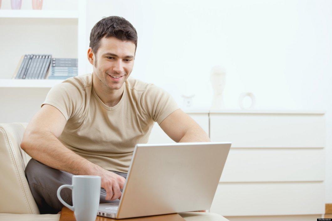 Seznamování více než jedné osoby online